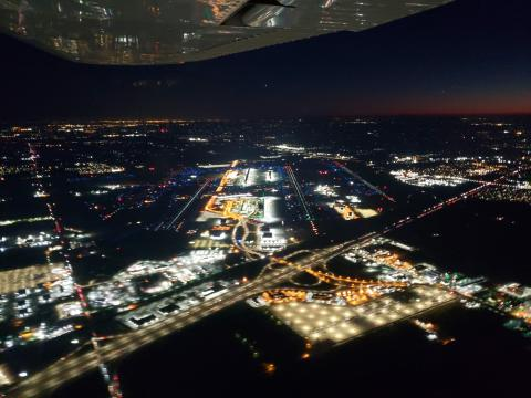 Detroit Metro Airport from the Approach end of the parallel 22L/R and 21L/R