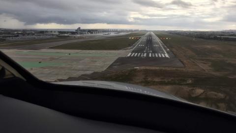 LEAL final approach ILS RWY 10