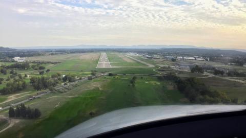 LFMV final approach ILS RWY17