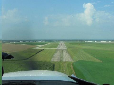 Approach to Runway 23 at (BAK) columbus ,Indiana