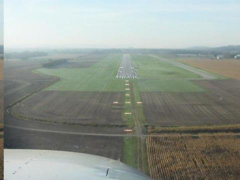 Runway 18 approach at (CEV) connersville, Ind.