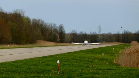 Marine City Airport (76G) - 4 Back-Taxiing - 2020-05-03