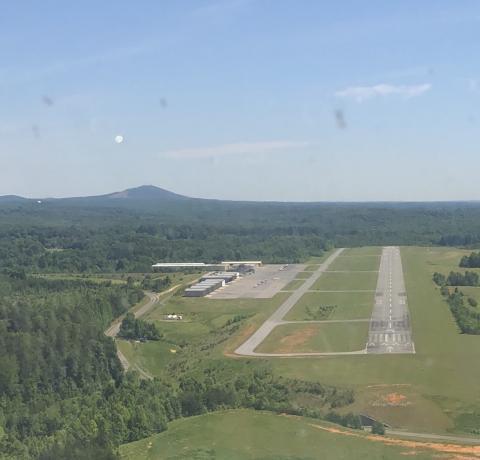 Landing runway 5 at IPJ